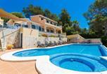 Location vacances Son Bou - Son Bou Villa Sleeps 8 Pool Air Con Wifi-1