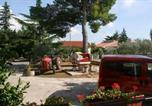 Location vacances Tar - Apartments with a parking space Tar, Porec - 6943-4