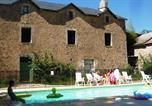 Camping avec Hébergements insolites Villefranche-de-Panat - Domaine de Pradines-1