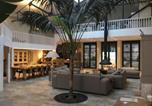 Hôtel Vallauris - La Verrière Bed & Breakfast-1