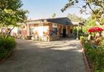 Location vacances Villaharta - Fantástico chalet con piscina en Avenida del Brillante-1
