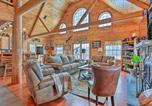 Location vacances Clarks Summit - Poconos Family Fun - Ultimate Cabin Retreat!-3