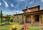 Location vacances Lucignano - Cozy Cottage in Lucignano with Swimming Pool-1