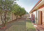 Location vacances Albury - Modern Townhouse – Spa and Comfort-2