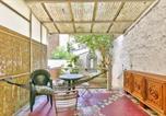 Location vacances Montreuil - Spacious studio with terrace Saint Mande-1