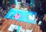 Hôtel Tamarindo - La Oveja Tamarindo Hostel & Surf Camp-1