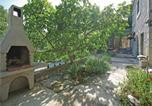 Location vacances Gradac - Holiday Home Drvenik with Sea View 06-2