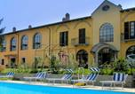 Location vacances  Province d'Asti - Fabulous Mansion in Nizza Monferrato with Swimming Pool-1