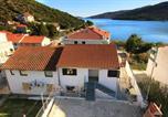 Location vacances Marina - Apartments by the sea Marina, Trogir - 9438-1