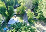 Camping avec Piscine Saint-Sauveur-de-Montagut - Camping le Verger de Jastres-4