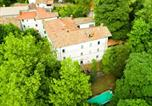 Location vacances  Province de Pistoia - Modern Villa in Migliorini Italy with Private Pool-1