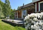Location vacances Lidköping - Five-Bedroom Holiday home in Mellerud-2