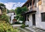 Location vacances Castaignos-Souslens - Gîte Vanakam: jolie maison béarnaise 9-10 personnes avec piscine-1