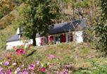 Location vacances  Hautes-Pyrénées - Comfortable farm house Petit Barzun, in the Parc National Pyrenees-1