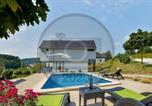 Location vacances Međimurska - Amazing home in Sveti Martin na Muri w/ Jacuzzi, Sauna and Outdoor swimming pool-1