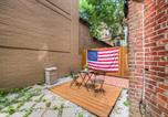 Location vacances Washington - Five Beds & Patio in Center of Dc-1