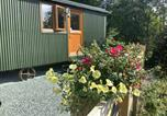 Location vacances Beguildy - Shepherds Hut, Self catering, Mid-Wales, Powys-1
