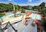 Camping avec Quartiers VIP / Premium Anneville-sur-Mer - Castel Château de Galinée-1