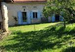 Location vacances Saint-Avit - House with 3 bedrooms in Riouxmartin with furnished terrace-1