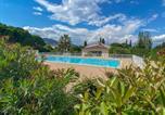 Location vacances Mandelieu-la-Napoule - Appartement T2 Jardin piscines-3