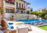 Location vacances  Chypre - Kouklia Villa Sleeps 10 with Pool Air Con and Wifi-4
