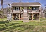 Location vacances Donaldsonville - Cajun Cottage on Bayou Dularge with Dock and 2 Bikes!-1