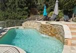 Location vacances Vidauban - Appart &quote;Pins & parasol&quote;, piscine chauffée et bain à remous - Axelle Loc'Appart-1