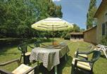 Location vacances Grignols - Holiday home Grignols with a Fireplace 324-3