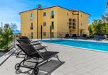 Location vacances Kostrena - Beautiful apartment in Kostrena Sveta Lucij w/ Outdoor swimming pool and 3 Bedrooms-4