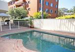 Location vacances Nelson Bay - 1 'Seashells' 21-23 Magnus Street - pool, lift & air conditioning-2