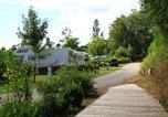 Camping avec Piscine couverte / chauffée Najac - Flower Camping du Lac de Bonnefon-2