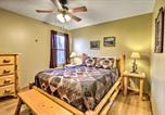 Location vacances Worthington - Hocking Hills Hideaway with Hot Tub, Fire Pit and Views-2
