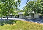 Location vacances Logan - Wellsville House with Mtn Views, Yard and Tennis Court!-2