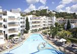 Location vacances  Province des Îles Baléares - Aparthotel La Pérgola-1
