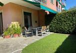 Location vacances  Ville métropolitaine de Gênes - Appartamento con giardino a 500 mt dal mare!-2
