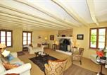 Location vacances  Indre - Saint-Gaultier Villa Sleeps 8 Pool Wifi-2
