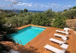 Location vacances  Province de Trapani - Villa Guidaloca con Piscina-1