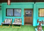 Location vacances Ko Chang - New Coco Sardinia Guesthouse & Funny Sportbar-1