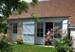 Location vacances  Loiret - Holiday home Rue des Basroches-1