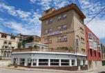 Location vacances Llançà - Hostal Portbou-1