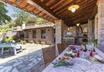 Location vacances Borgo a Mozzano - Holiday home Camaiore (Lu) 43-2