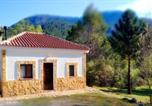 Location vacances Siles - Casa Rural en Aldea Cueva Ahumada-1