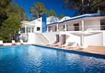 Location vacances Sant Josep de sa Talaia - Villa Can Hermanos: Wifi gratis, piscina privada y vistas al mar-1