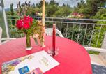 Location vacances Stari Grad - Apartments 1000 Flowers-1