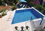 Location vacances Sutivan - Holiday home Sutivan 32-4
