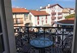 Location vacances Saint-Jean-de-Luz - Apartment Résidence britannia 24 -la plage à seulement 400m-1