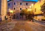 Location vacances  Province de Rieti - La Minicasa al Lago del Turano-3