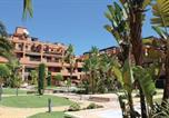 Location vacances Estepona - Apartment Estepona with Sea View 01-3