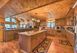 Location vacances Holbrook - 4,500-Square-Foot Pinedale Cabin on 17 Acres!-1