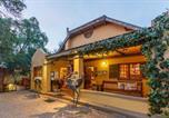 Location vacances Oudtshoorn - Riverside Lodge-1